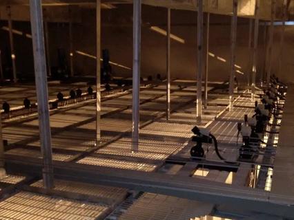 栅顶(葡萄架)是舞台上部不可缺少的重要设施之一,是舞台上部悬吊